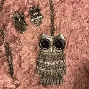 Jewelry - Owl necklace with matching earrings